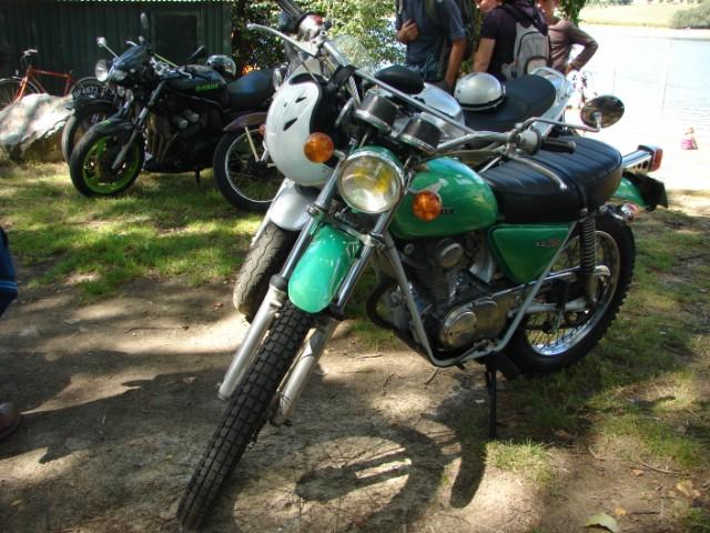 motos anciennes & nouvelles  Dsc05425