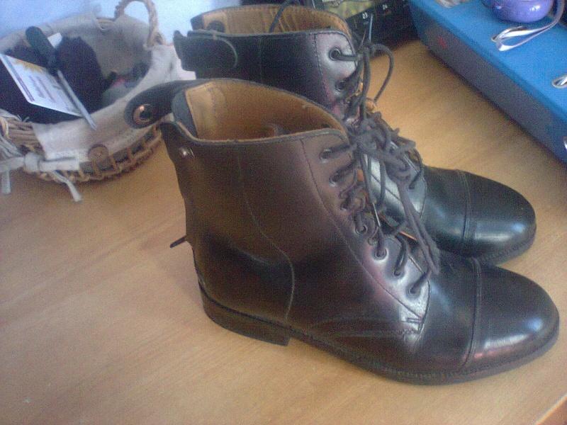 boots en cuir jamais servi  Photo040