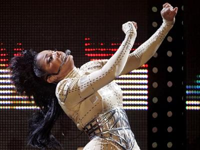 Janet Jackson annule son concert canadien pour raisons de santé Janetj10