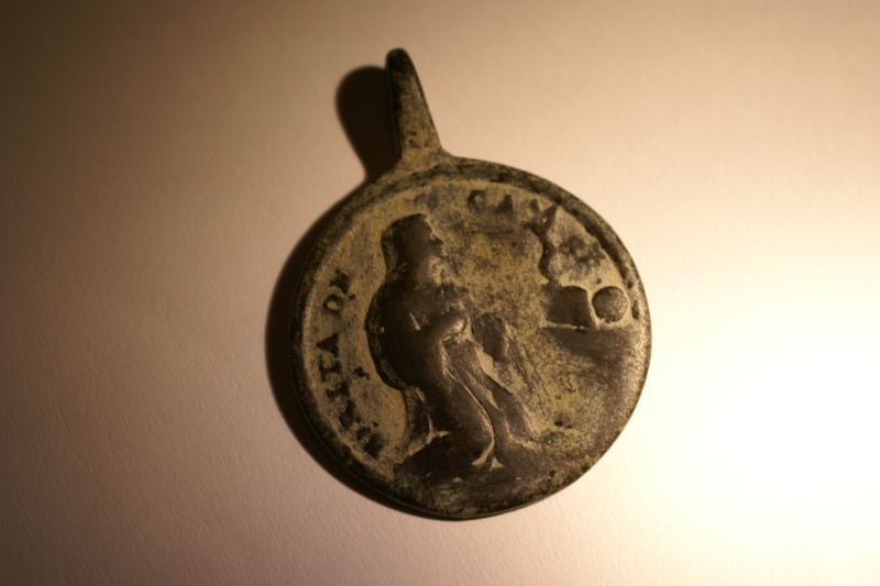 Medalla de San Gregorio y San Jerónimo / Santa Rita de Casia Dsc00237