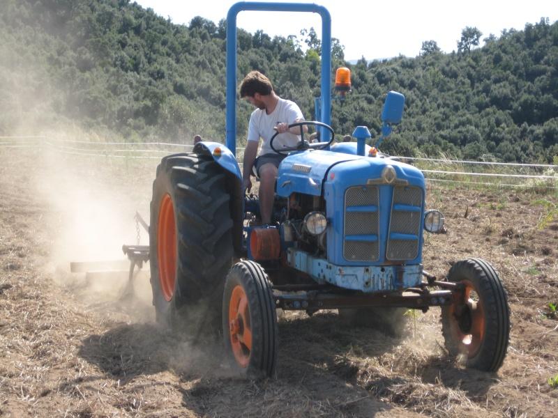 Presto mi Súper Ebro (2ª versión) a un amigo agricultor ecológico. Img_8710