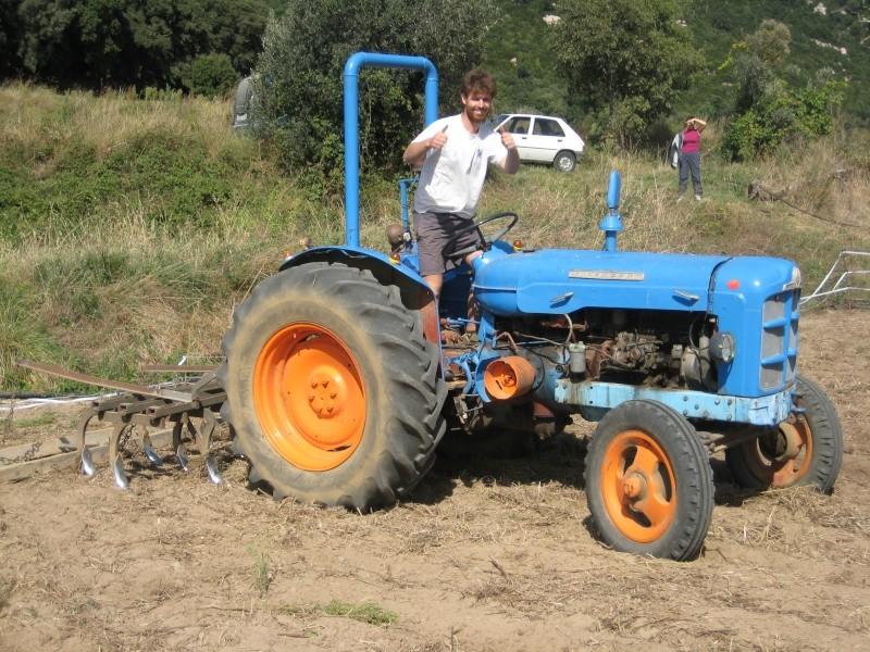 Presto mi Súper Ebro (2ª versión) a un amigo agricultor ecológico. Img_8713