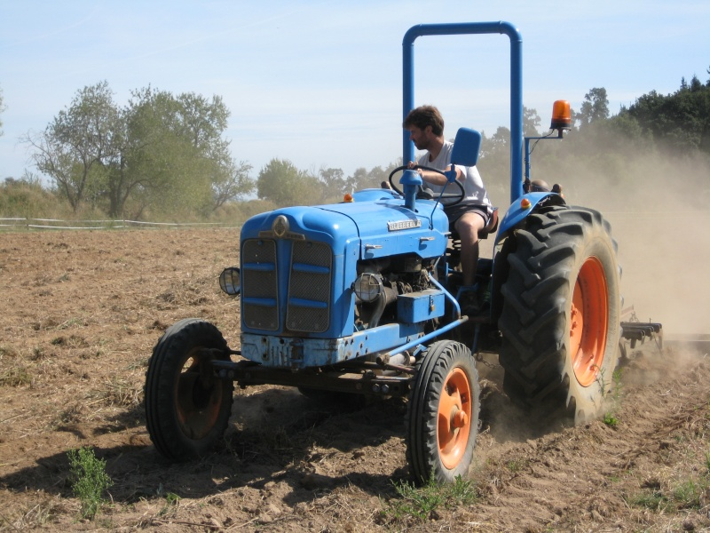 Presto mi Súper Ebro (2ª versión) a un amigo agricultor ecológico. Img_8715