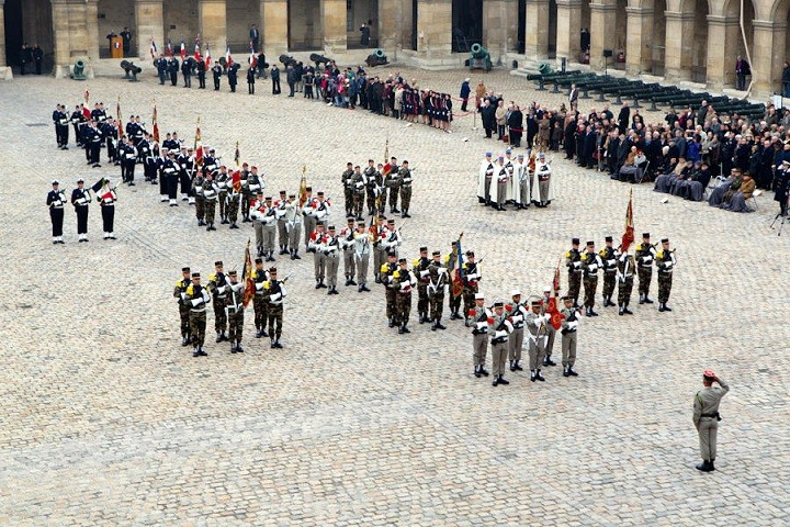 Passation de témoin à l'Ordre de la Libération(Source Ministère des Armées Françaises) _p3b5410