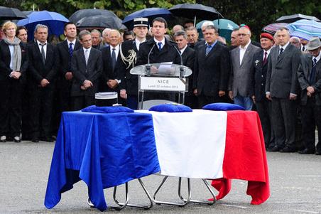 Hommage de la Nation au major Daniel Brière.(Source Ministère de l'Intérieur) Hommag15