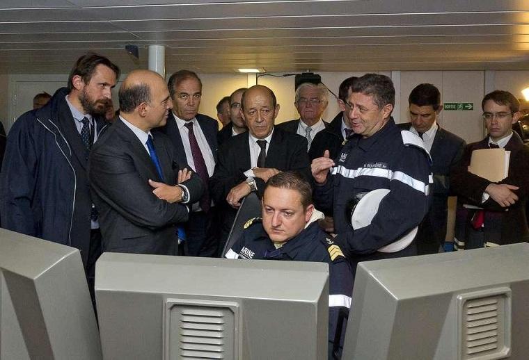 Mise à flot de la FREMM Normandie à Lorient.(Source Ministère de la Défense Nationale) Le-min11