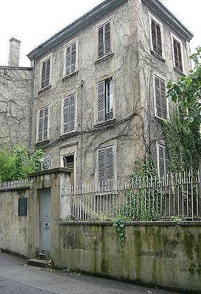 Histoire et Biographie de Jean MOULIN,source WIKIPEDIA. Maison10