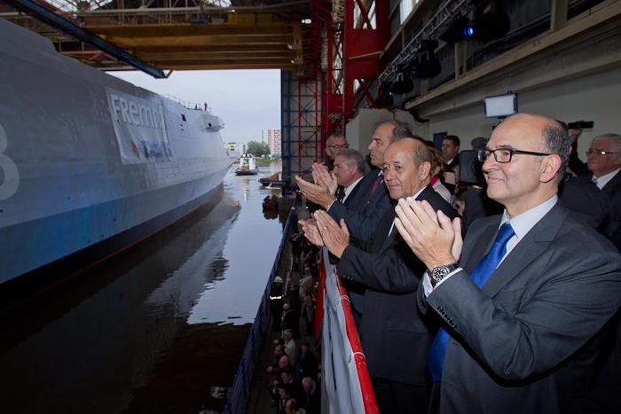 Mise à flot de la FREMM Normandie à Lorient.(Source Ministère de la Défense Nationale) Mise-a10
