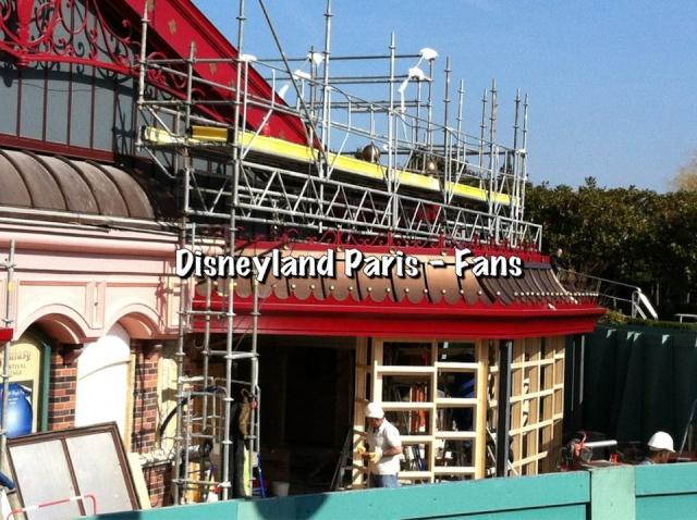MEET MICKEY MOUSE - Fantasyland 42764411