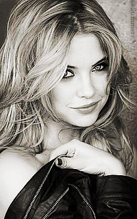 Ashley Benson Sans_324