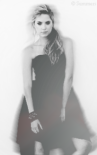 Ashley Benson Sans_333