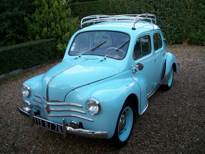 le 28 aout 2011 Exposition de véhicules anciens La Saussaye 100_3114