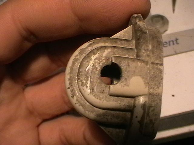 [Origine][TUTO] * la Réparation du Système Externe de Réglage en Hauteur d'Optique de Phare * Imga0624
