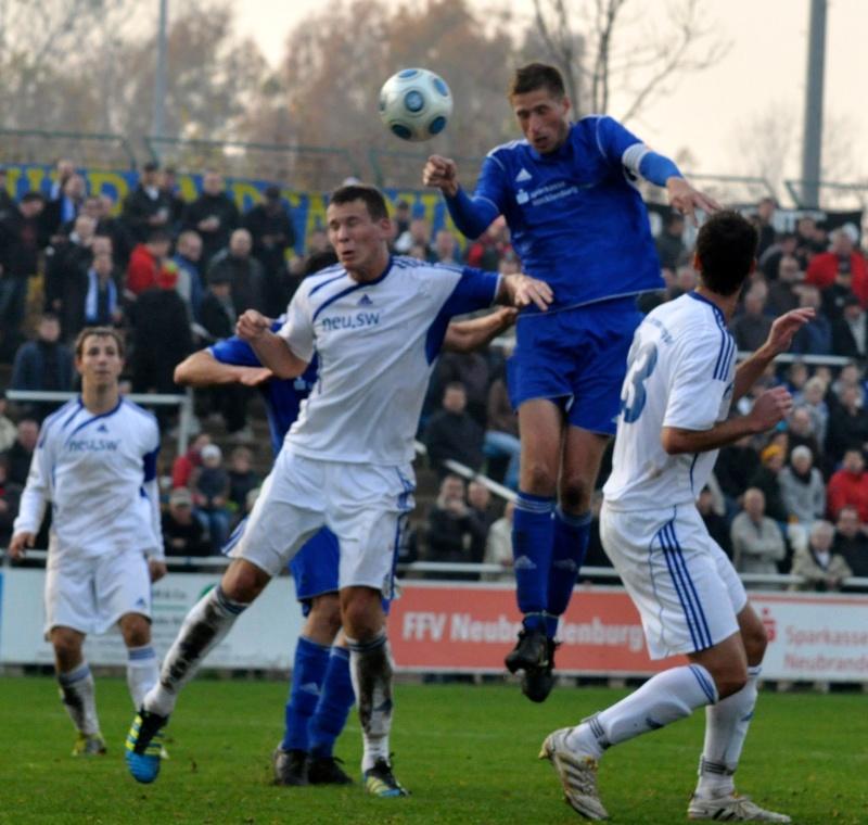 12. Spieltag: 1. FC Neubrandenburg 04 - TSG Neustrelitz Dsc_0510