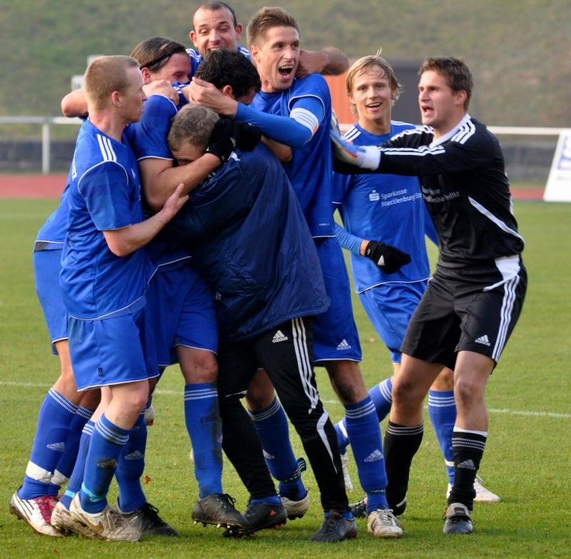 Achtelfinale Landespokal: TSG Neustrelitz - FC Anker Wismar Dsc_0810