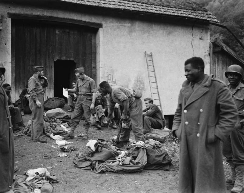 Armée Française de libération 1943-1945  : Petit guide uniformologique  Terre-10