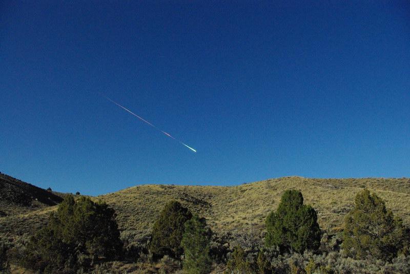22/04/2012 - Explosion d'une météorite au-dessus de la Californie  Meteor10