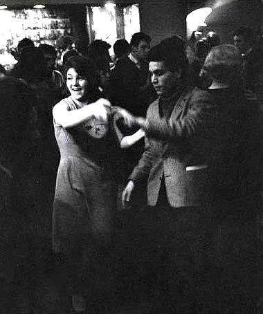 DANCE IN GOLF DROUOT  Danse_10