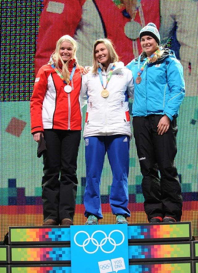 Jeux Olympiques de la Jeunesse d'hiver - Innsbruck 2012 - La 1ere médaille d'OR de l'histoire des JOJ d'hiver est Française... Bravo Estelle !!! Estell11