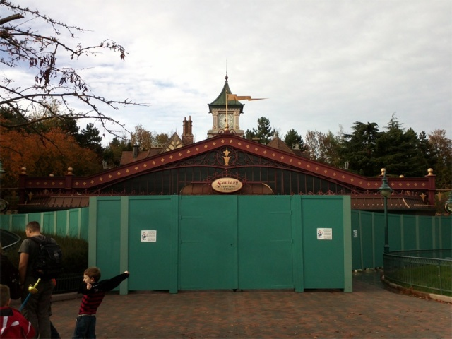 MEET MICKEY MOUSE - Fantasyland 4885_110
