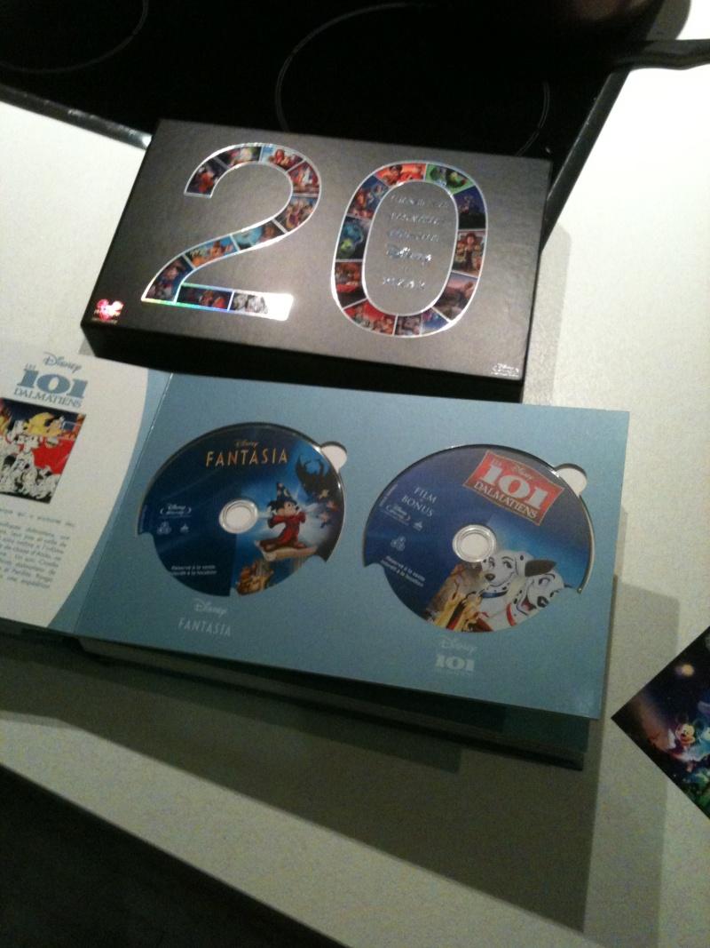 [BD + DVD] 20 ans de Disneylanbd Paris : le coffret Disney-Pixar (20 films + DVD bonus) Img_0513