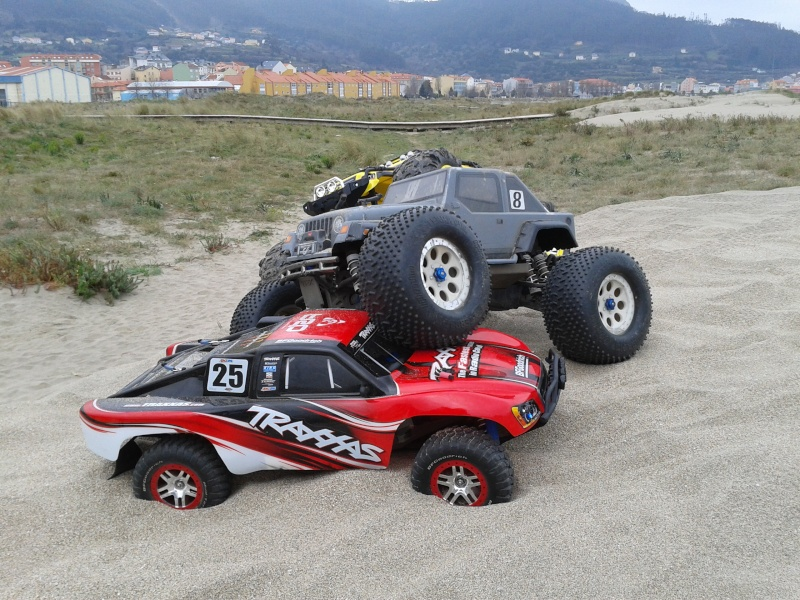 Slash vs Summit (ambos 1/10 y 4x4) 2012-010