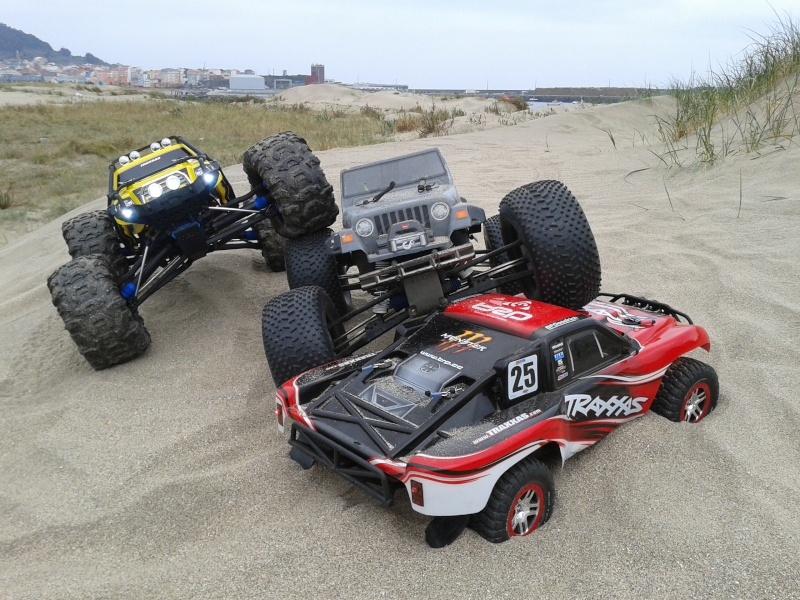 Slash vs Summit (ambos 1/10 y 4x4) 2012-012