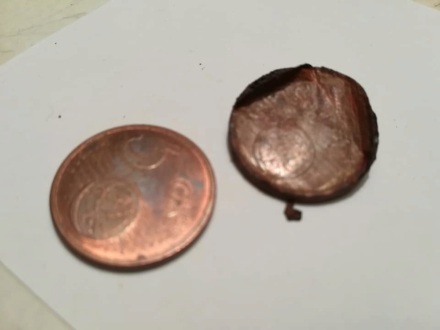 Chatarra en forma de moneda de 5 cents? 84938810