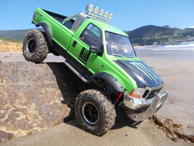 Axial scx10 Jeep Wrangler Unlimited Rubicon KIT - Página 3 Tamiya32