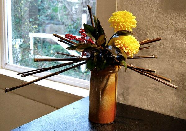 5 cách cắm hoa cúc đơn giản nghệ thuật 12060526