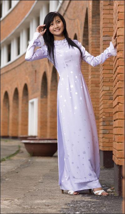 Áo dài trắng nữ sinh Aodai310