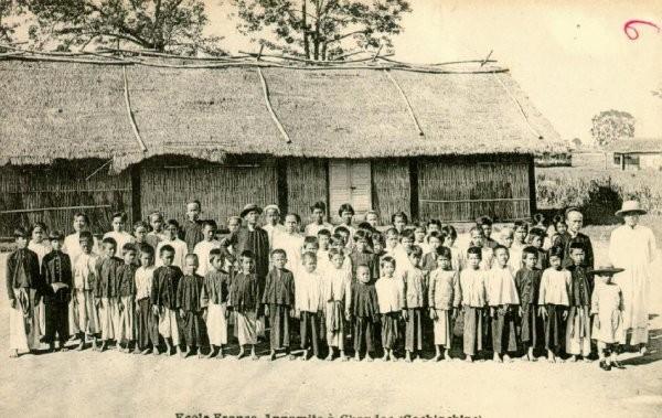 Trường lớp Việt Nam ngày xưa... Giao-d15
