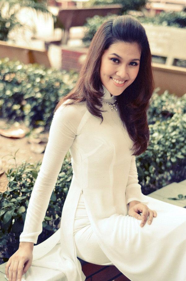 Áo dài trắng nữ sinh Images41