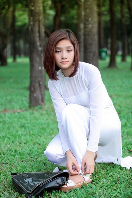Áo dài trắng nữ sinh Images43