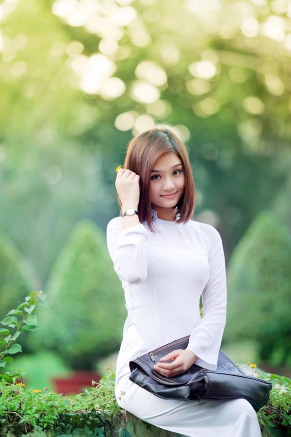 Áo dài trắng nữ sinh Images44