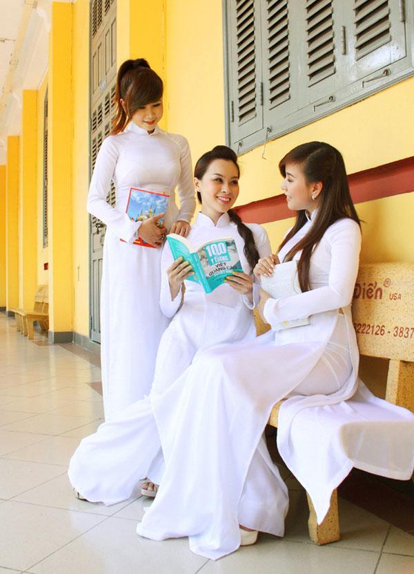 Áo dài trắng nữ sinh Images46