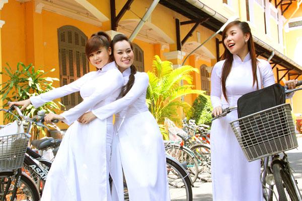 Áo dài trắng nữ sinh Images47