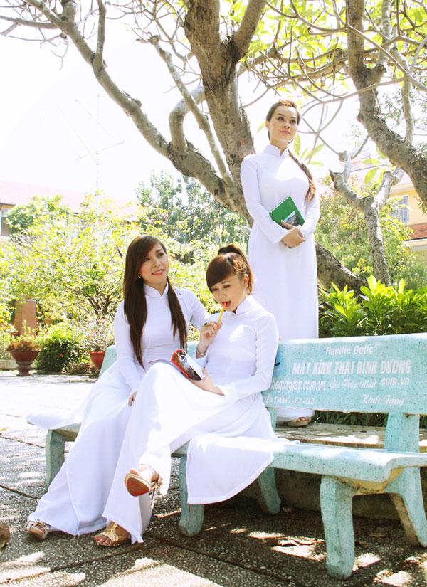 Áo dài trắng nữ sinh Images48