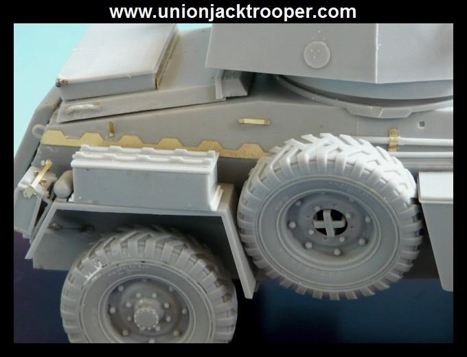 peinture - [Unionjacktrooper] HUMBER ARMOURED CAR Mk.IV BRONCO-peinture en cours'13/06) P1030421