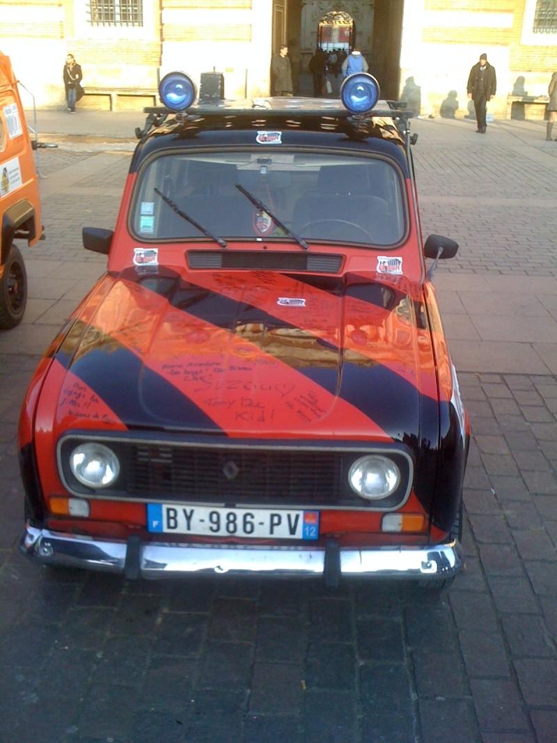Pour les amoureux et nostalgiques de la Renault 4 00510