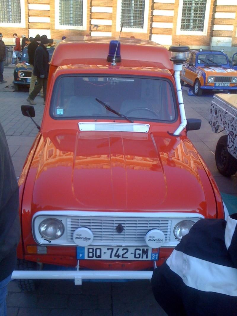 Pour les amoureux et nostalgiques de la Renault 4 02010