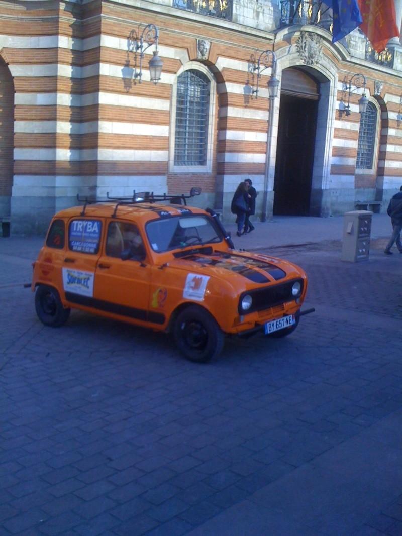 Pour les amoureux et nostalgiques de la Renault 4 03910