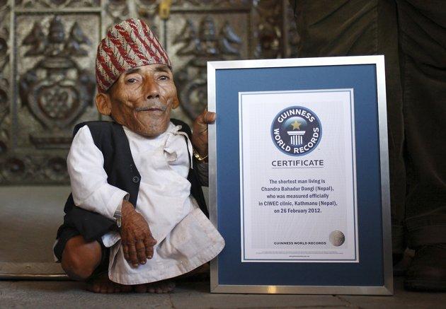 L'homme le plus petit de l'histoire 2012-010