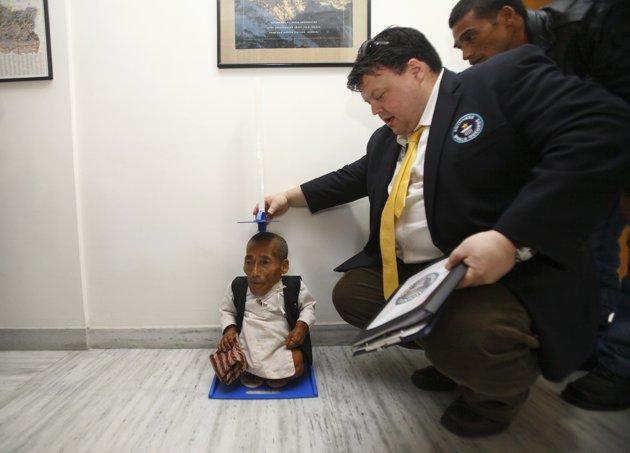 L'homme le plus petit de l'histoire 2012-011
