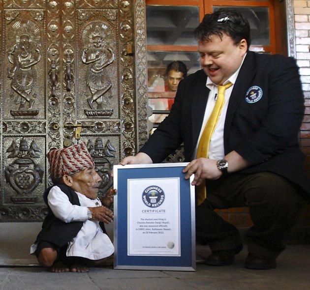 L'homme le plus petit de l'histoire 2012-012