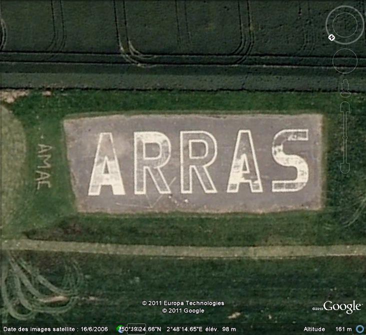 Les inscriptions et écritures sur aérodromes et aéroports - Page 6 Arras10