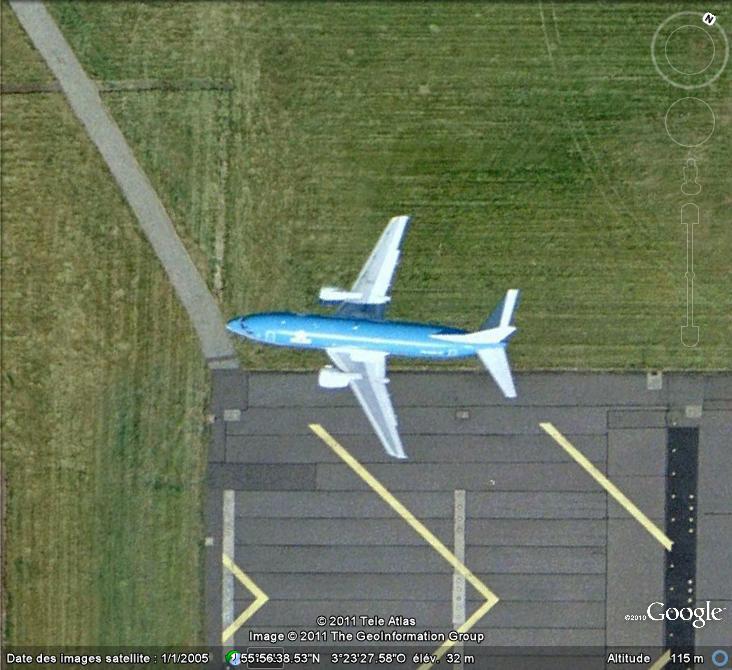 Les avions en phase d'atterrissage aperçus sur Google Earth - Page 3 Avion_11