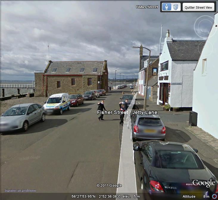 STREET VIEW : un coucou à la Google car  - Page 52 Coucou10