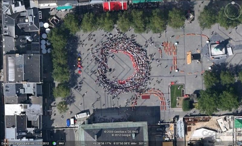 Fêtes, concerts et autres attroupements sur Google Earth  Groupe11