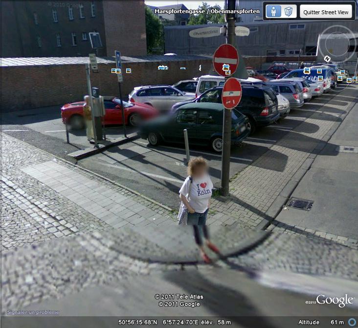 """Dame avec un t-shirt """"I ♥ Köln"""" à Cologne ( Allemagne ) I_310"""